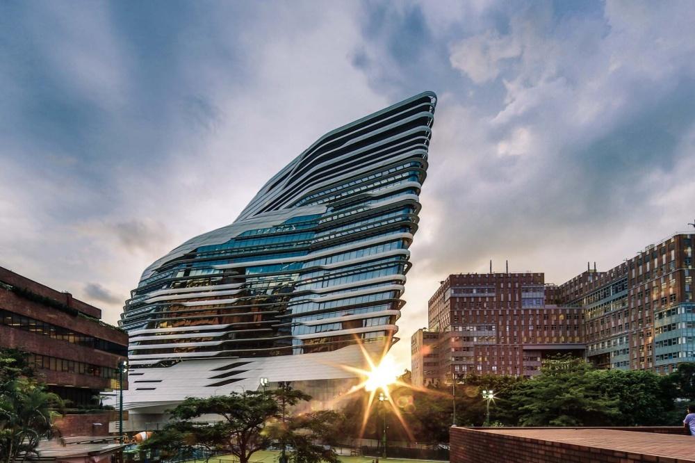 Надзвичайні будівлі архітектора Захи Хадід - фото 9