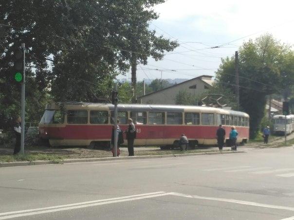У Харкові трамвай злетів із рейок - фото 2
