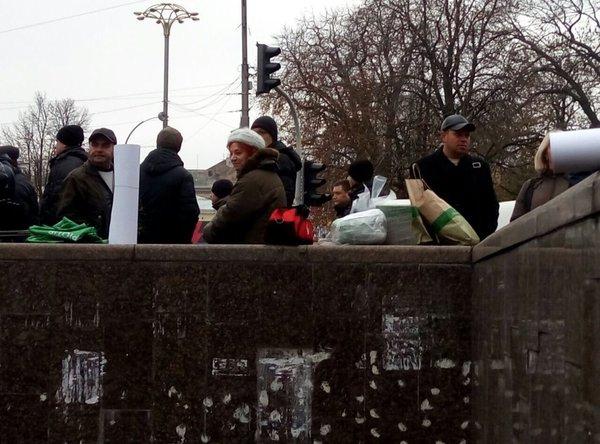 УКРОПівці зібралися пікетували Раду - фото 1
