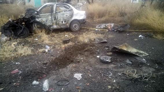 УМар'їнці автомобіль наїхав на міну, дві людини загинули