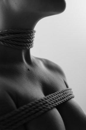 Як український фотограф перетвори голе жіноче тіло на ландшафт (ФОТО 18+) - фото 1