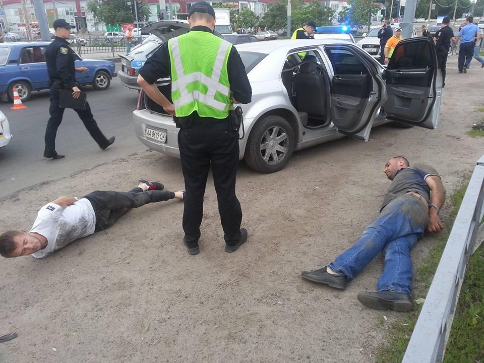 У Харкові поліцейські вчинили погоню: ловили викрадачів (ФОТО) - фото 2