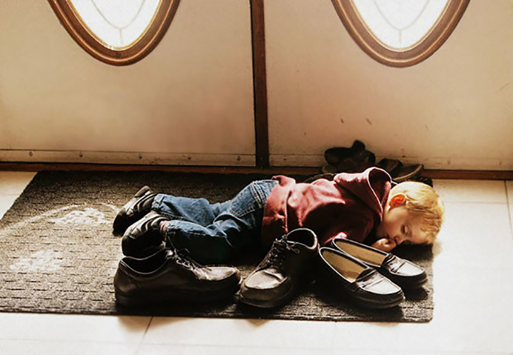 35 кумедних доказів того, що діти можуть заснути де завгодно - фото 15