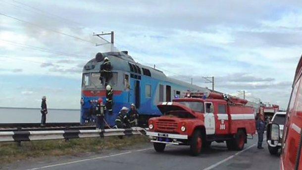 Біля Черкас спалахнув потяг із сотнею пасажирів - фото 2