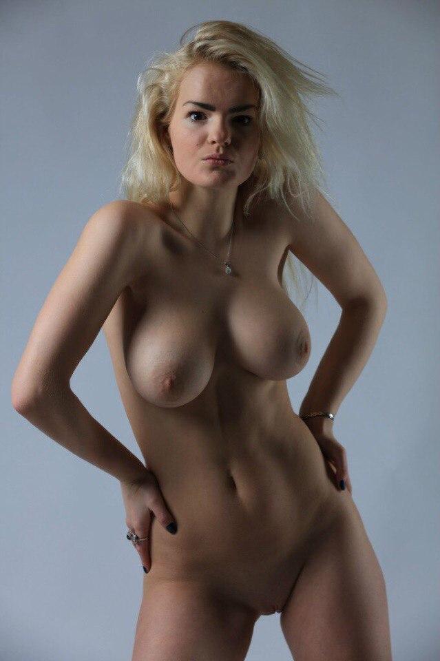 На Росії 17-річну модель вбила сестра, яка нанесла їй 140 ножових поранень (ФОТО 18+) - фото 4