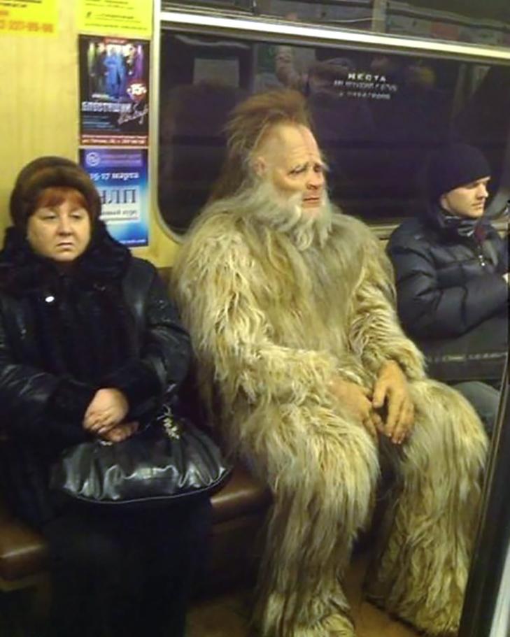35 неймовірних диваків у метро - фото 6