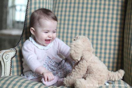 Дизайнер Марк Джейкобс створив помаду на честь 9-місячної принцеси Шарлотти - фото 2