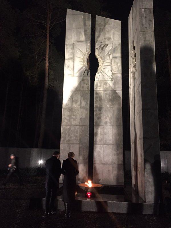 Дуда у Києві вшанував жертв політичних репресій - фото 3