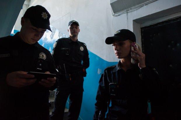 Як білявка-поліцейська підкорює зону АТО (ВІДЕО, ФОТО) - фото 4