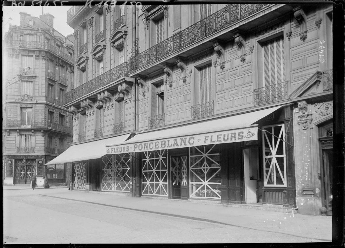 Як століття тому парижани захищали вітрини від німецьких снарядів - фото 2