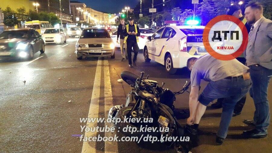 """У центрі Києва автомобіль збив адвоката """"вбивці"""" Грабовського - фото 1"""