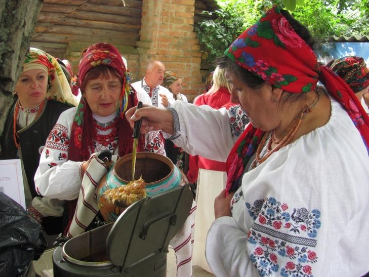 35 борщів привезли у вінницьке село господині з трьох областей - фото 3
