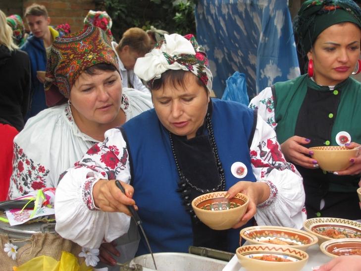 35 борщів привезли у вінницьке село господині з трьох областей - фото 2