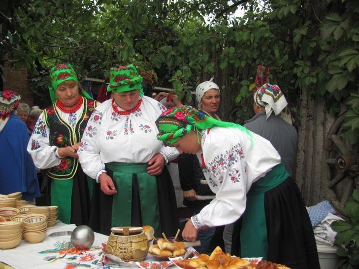 35 борщів привезли у вінницьке село господині з трьох областей - фото 1