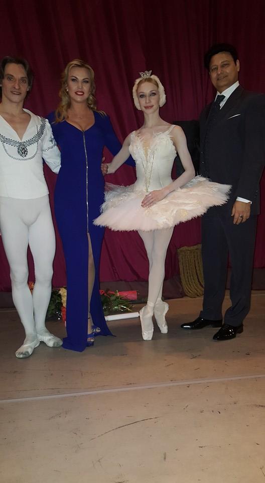 Як Камалія у обтислій сукні з чоловіком до опери ходила  - фото 1