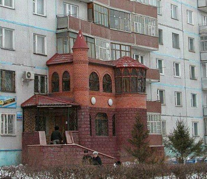 ТОП-20 балконів, володарі яких плювали на оточуючих - фото 14