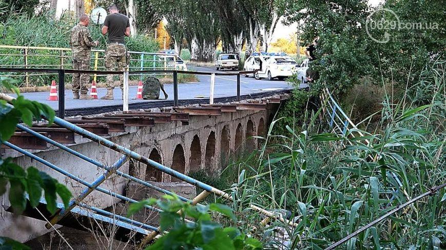 У Маріуполі авто з військовими упало в річку, - ЗМІ - фото 1