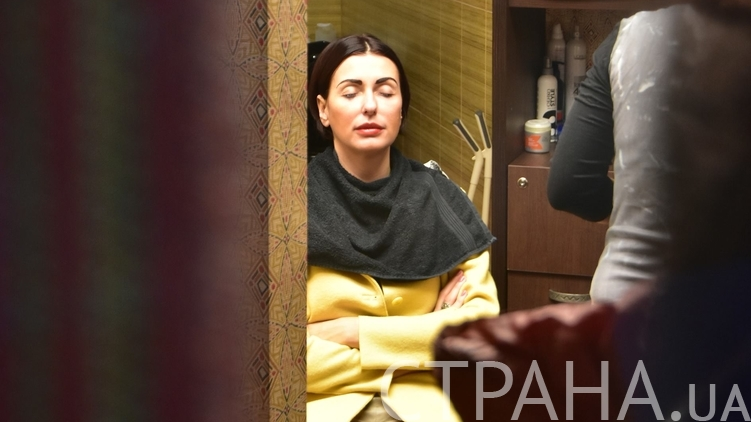 Як Терезія Яценюк ходила на ринок і в перукарню, поки чоловік готувався до звіту - фото 1