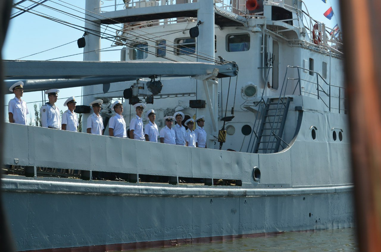 З морським духом Миколаїв почав святкувати День ВМСЗ морським духом Миколаїв почав святкувати День ВМС