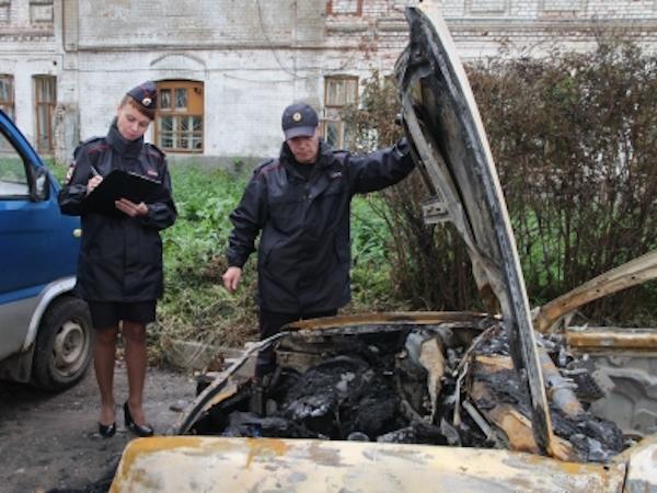 Молодой костромич поджог три машины идом ради селфи