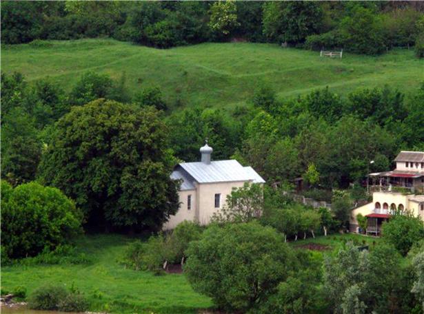 Рай у наметі: 10 маловідомих місць в Україні, які можна відвідати на травневі свята - фото 11