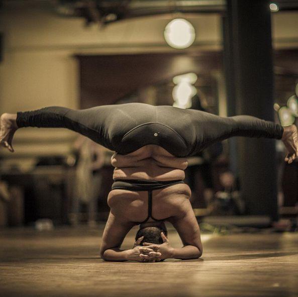 Апетитна американка-інструтор з йоги своїми формами ламає стереотипи - фото 1