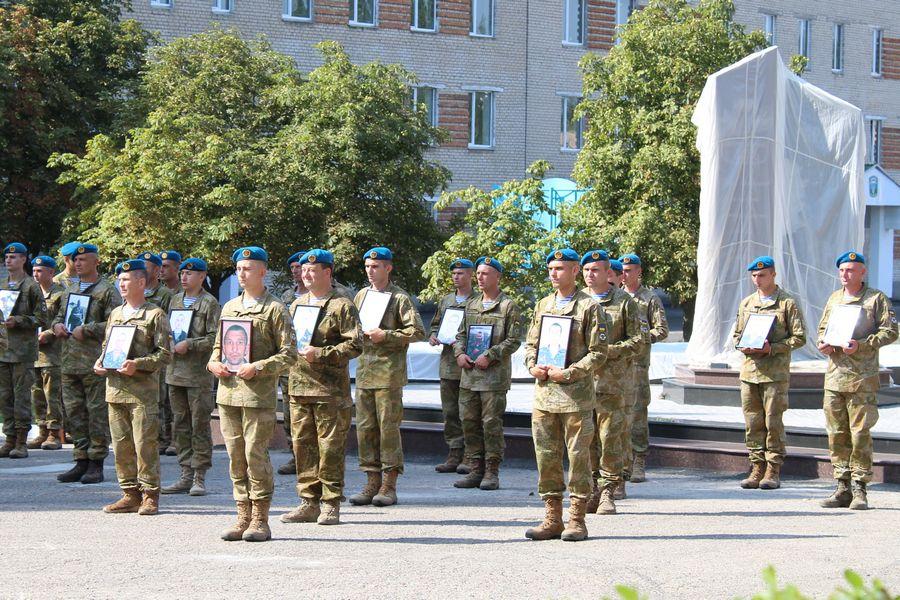 У Миколаєві відкрили меморіальний комплекс загиблим десантникам - фото 2