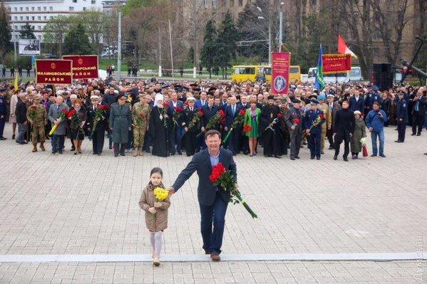 """Як Саша Боровик """"опустив"""" Труханова і ветеранів на урочистостях в Одесі  - фото 1"""
