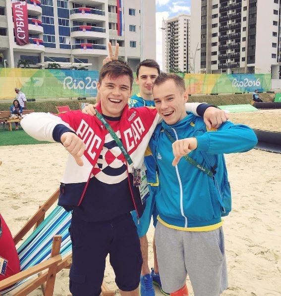 Украинец Верняев одержал победу золото ОИ-2016 вупражнениях набрусьях, Белявский— третий