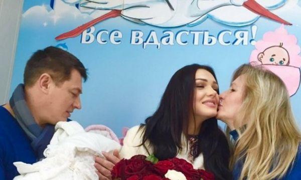 """Вінничанка """"Міс Україна Всесвіт 2013"""" стала мамою - фото 1"""