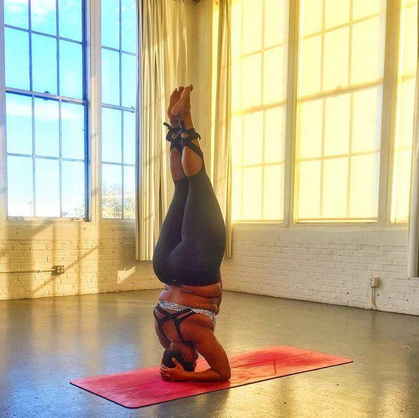 Апетитна американка-інструтор з йоги своїми формами ламає стереотипи - фото 3