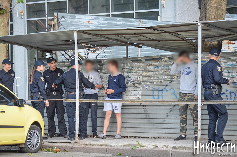 У центрі Миколаєва трьоє підлітків вилізли на недобудовано багатоповерхівку