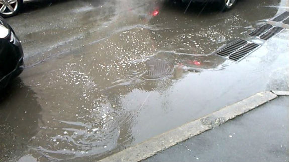 Чому на столичних дорогах - сотні глибоких калюж - фото 2