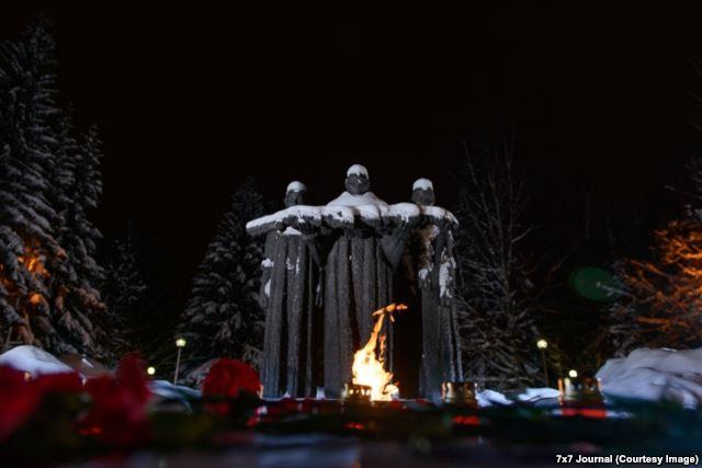 http://www.depo.ua/static/files/gallery_uploads/images/88ac36ed8215e1f8d10cfcf0353fc81c.jpg