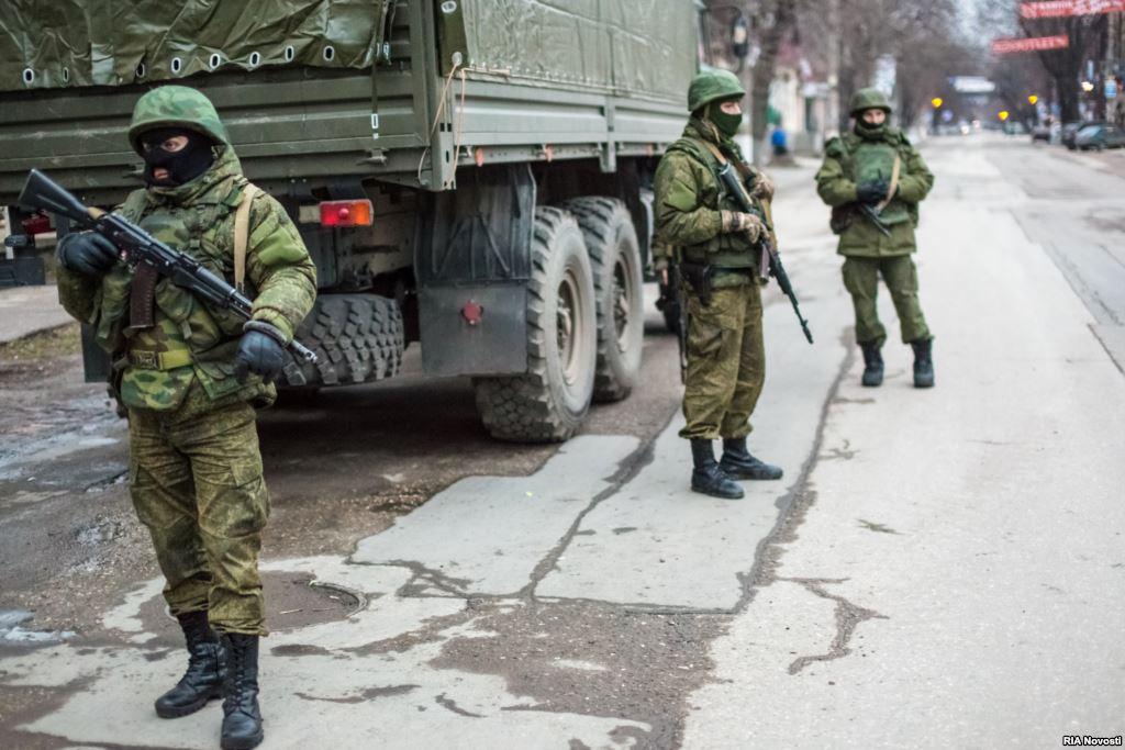 Хроніки окупації Криму: російські війська пішли в наступ - фото 10