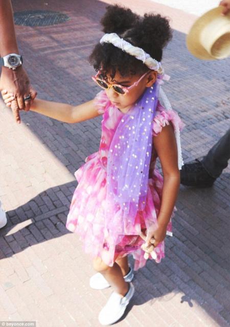 Бейонсе показала підрослу доньку із кумедною зачіскою - фото 1
