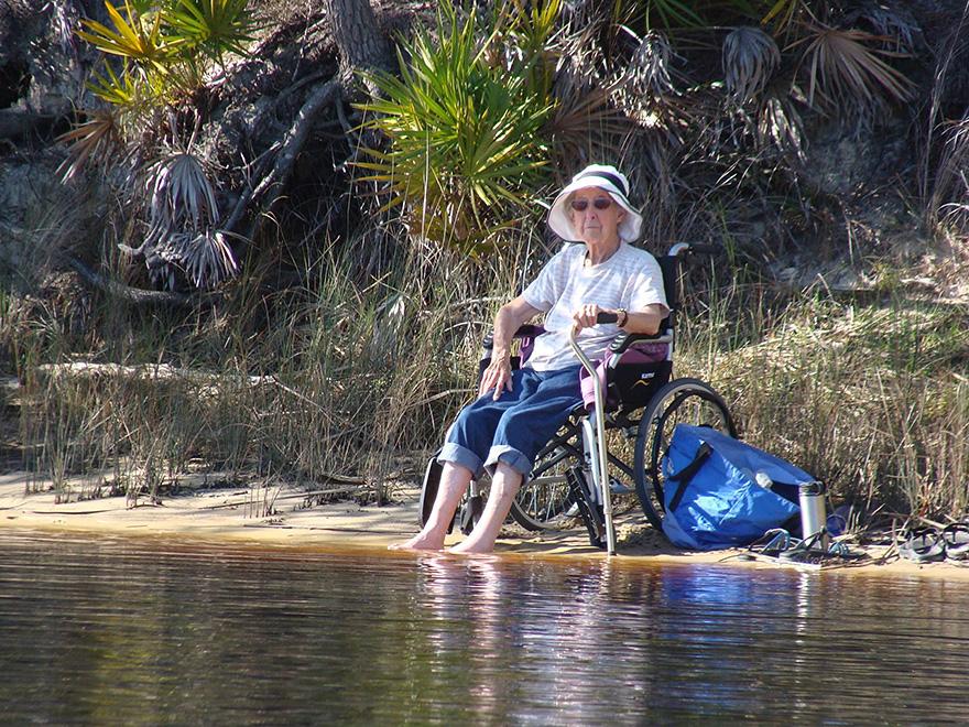 Як 90-річна бабуся, хвора на рак, обрала шалену подорож замість лікування - фото 3