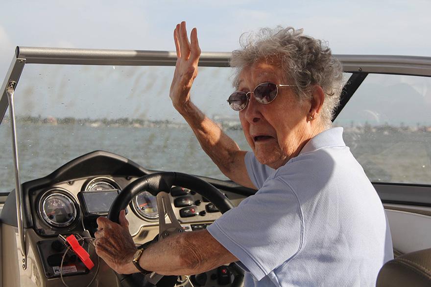Як 90-річна бабуся, хвора на рак, обрала шалену подорож замість лікування - фото 2