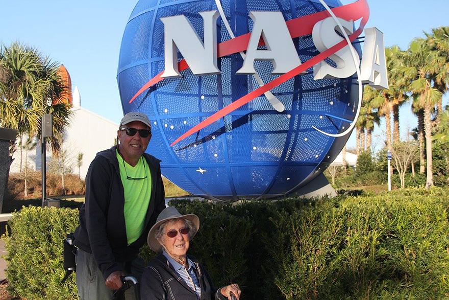 Як 90-річна бабуся, хвора на рак, обрала шалену подорож замість лікування - фото 1