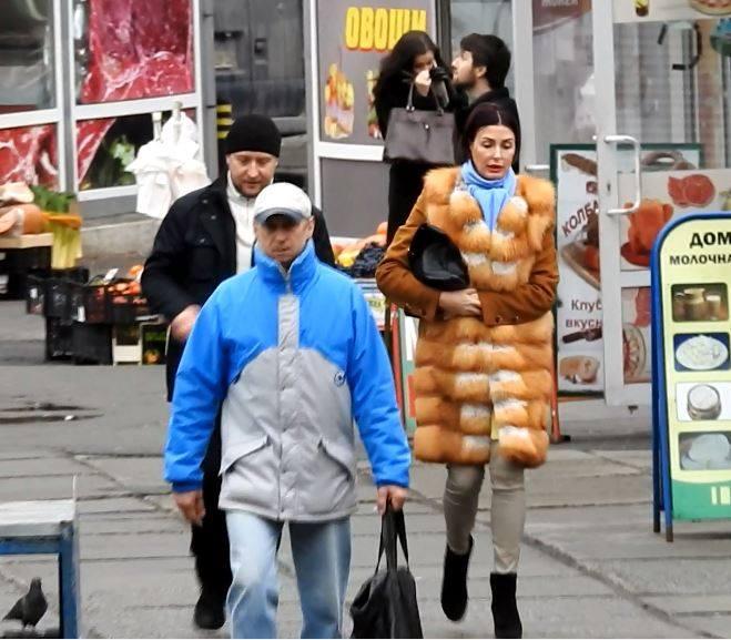 Як Терезія Яценюк ходила на ринок і в перукарню, поки чоловік готувався до звіту - фото 2