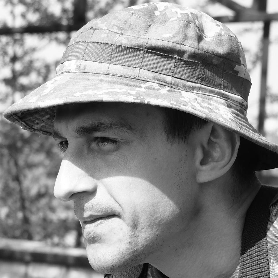 Краса рятує Україну: ТОП-10 красенів-бійців АТО - фото 9