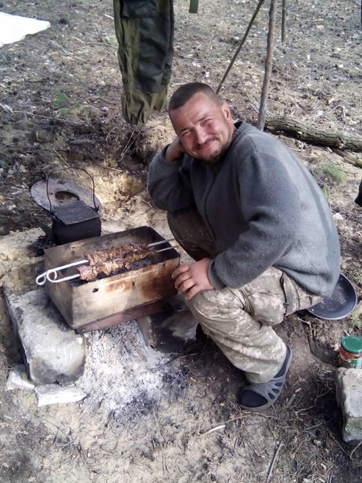 Майовка на війні: Як виглядають пікніки бійців АТО - фото 2