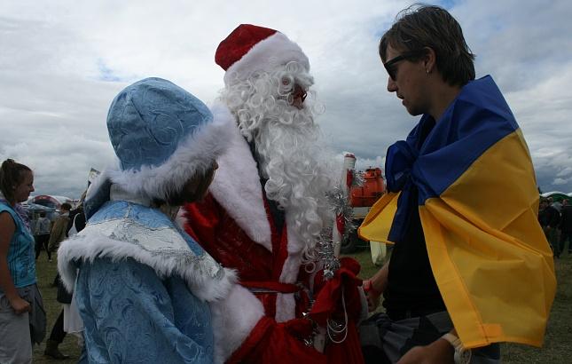 На російському фестивалі замайорів український прапор  - фото 1