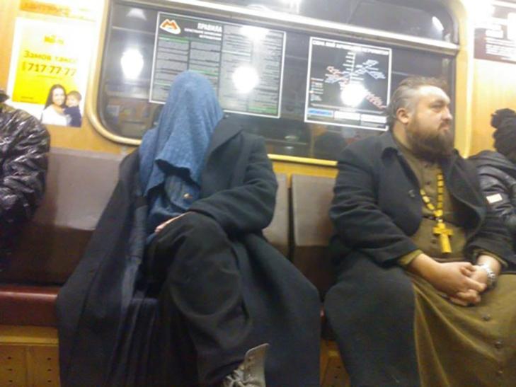 35 неймовірних диваків у метро - фото 17