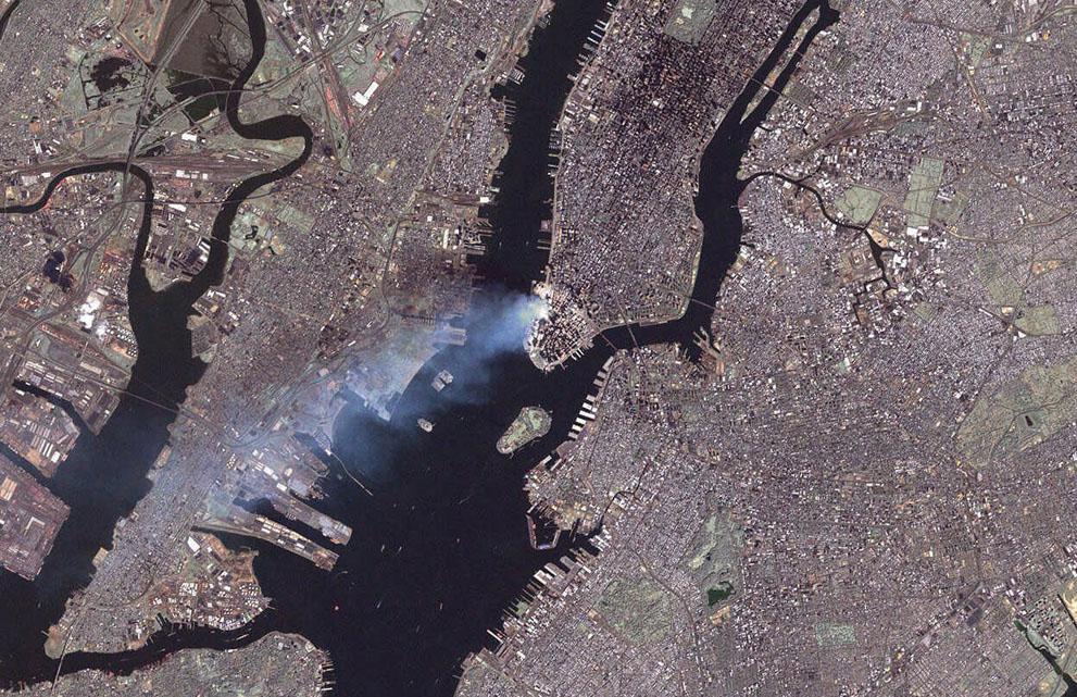 Трагедія 9/11: Сьогодні 14-та річниця наймасштабнішого теракту в історії США (ФОТО, ВІДЕО) - фото 3