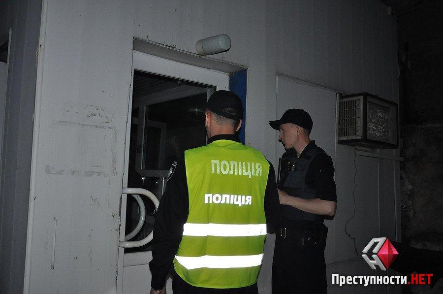 У Миколаєві активісти блокували рух перевантаженій фурі