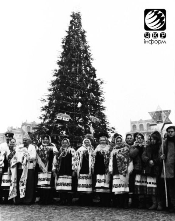 Як змінювалася головна новорічна ялинка України протягом півстоліття - фото 7