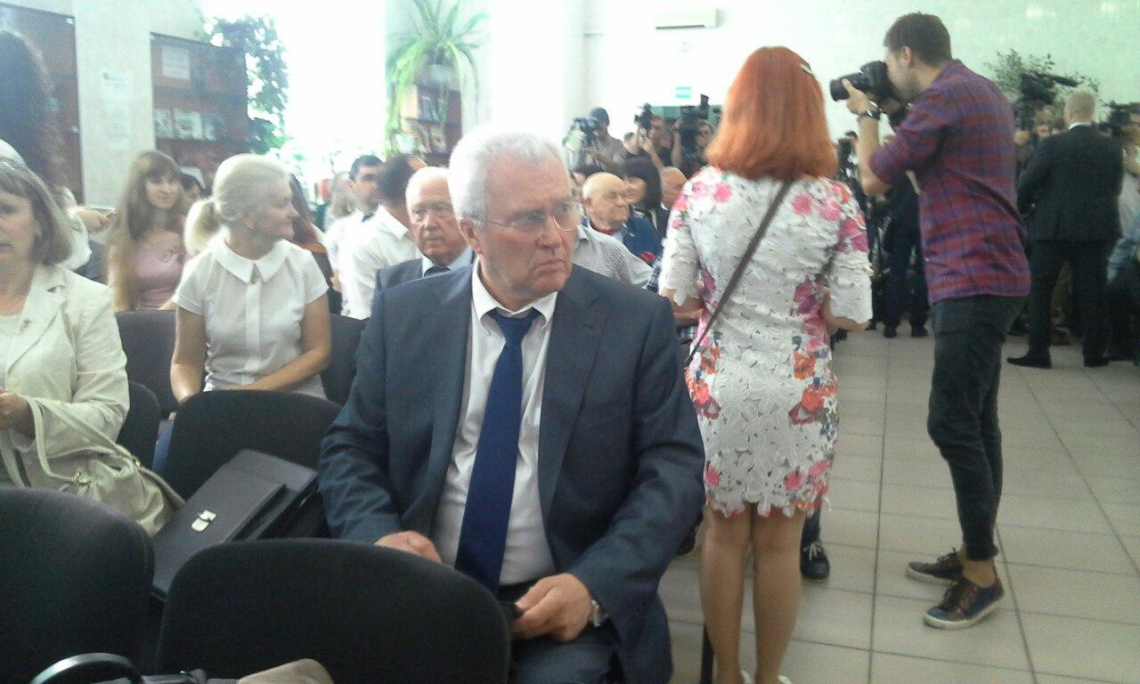 Порошенко присвоїв звання національного ще одному миколаївському вузу - фото 2