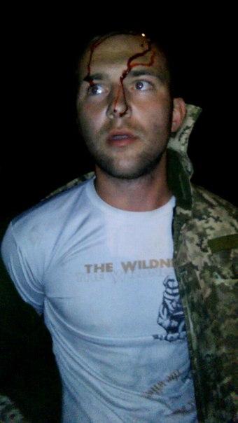 У Миколаєві п'яний водій у військовому розбив головою лобове скло машини - фото 5