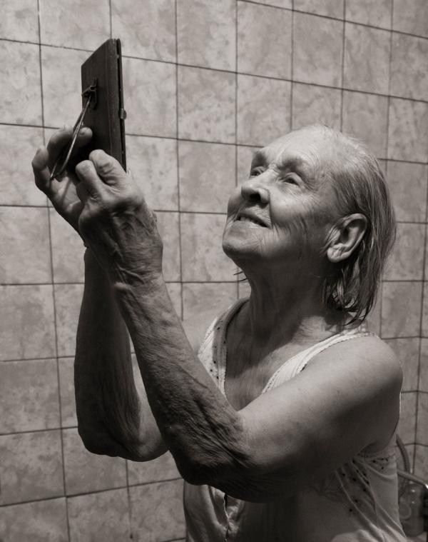 Як киянка у 91 рік відчуває себе красивою та позує ню (18+) - фото 8